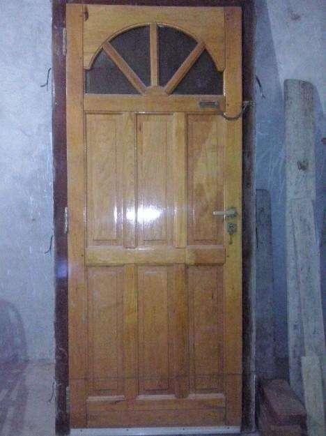 Vendo Puerta de Madera (usada)