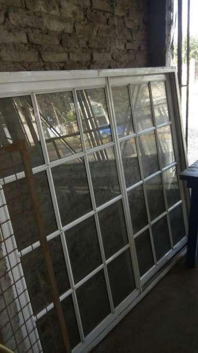 Ventana <strong>aluminio</strong> Vidrio Repartido