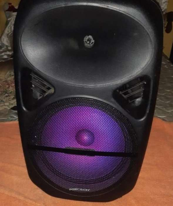 Bocina Amplificada con Led Multicolor