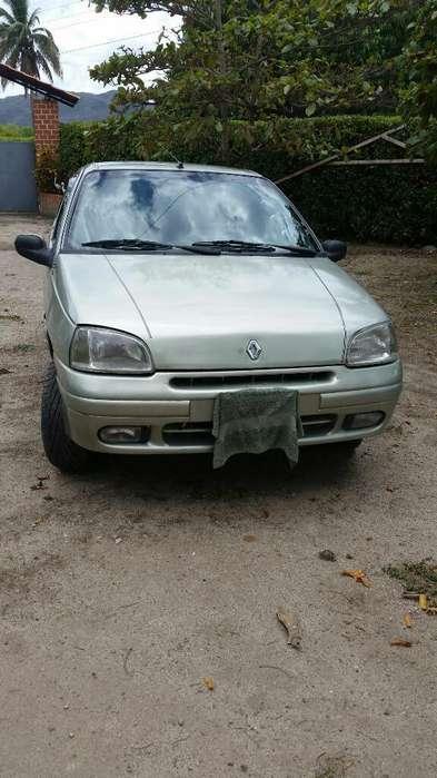 Renault Clio  2000 - 165000 km