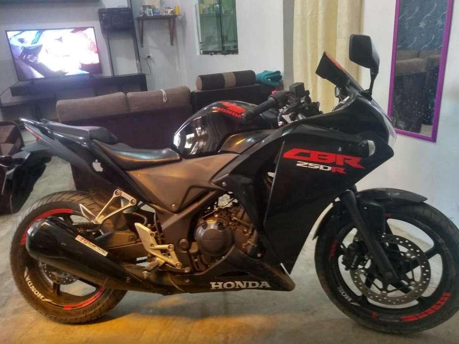 Vendo Mi Cbr 250 R