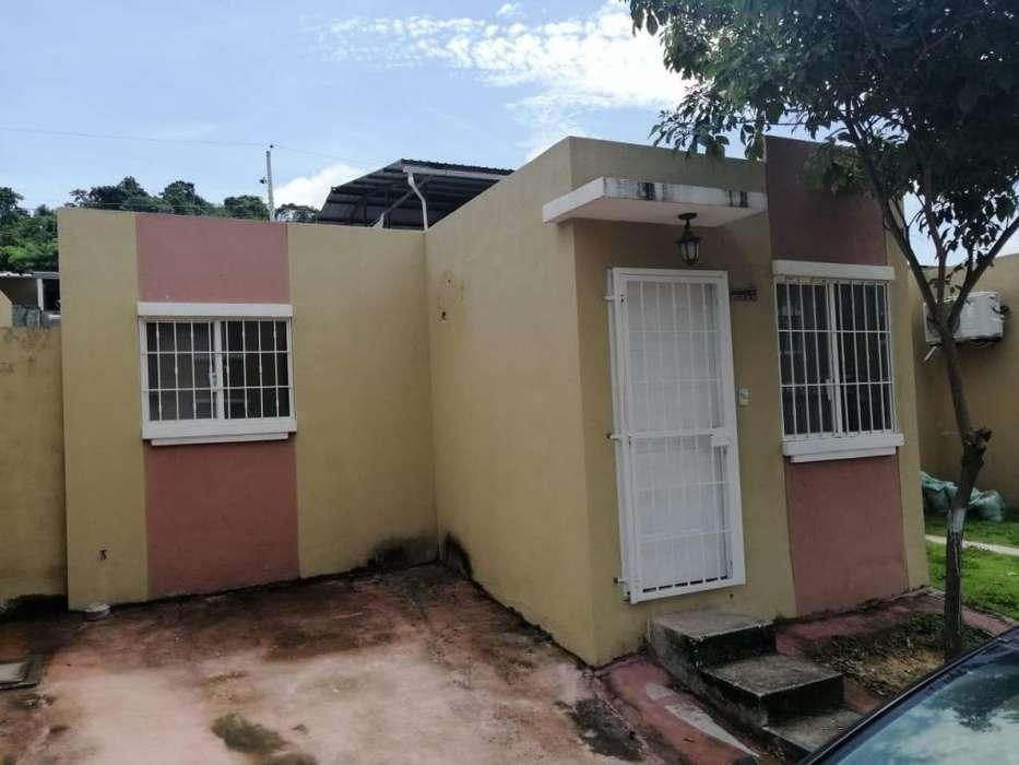 Se alquila casa en Villa del Rey 2 dormitorios