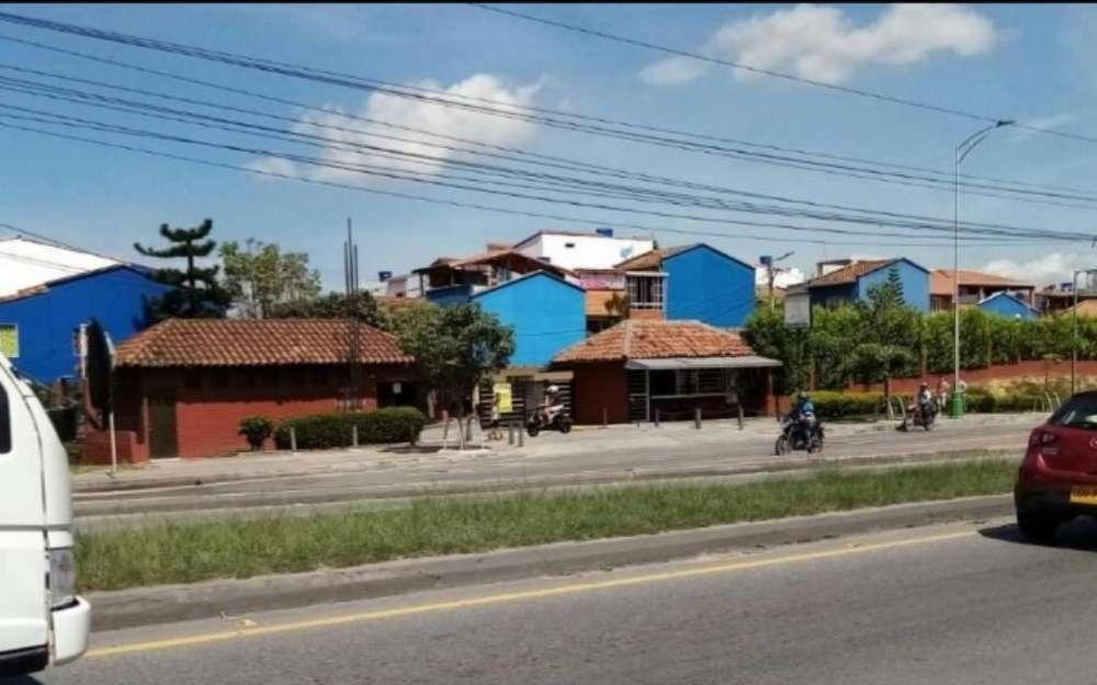 Casa Grande Remodelada Conjunto Cerrado