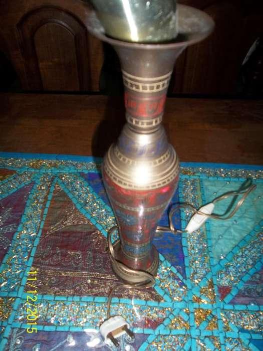 Velador, lampara de bronce de la india toda trabajada