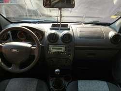 Vendo Ford Fiesta Max 2012