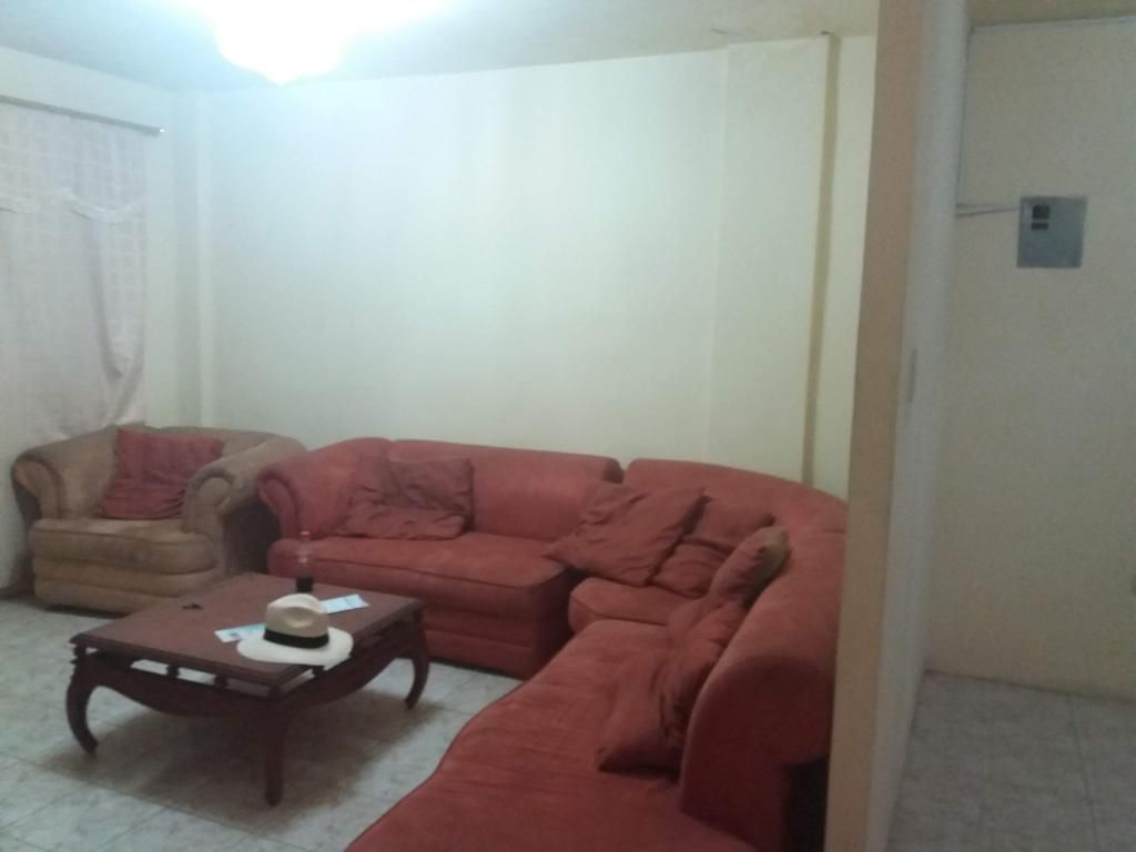 Cod# 97 Venta de Casa en Villa Alegria Cerca de Mucho Lote, Villa España, Samanes, Alborada, Sector Norte de Guayaquil