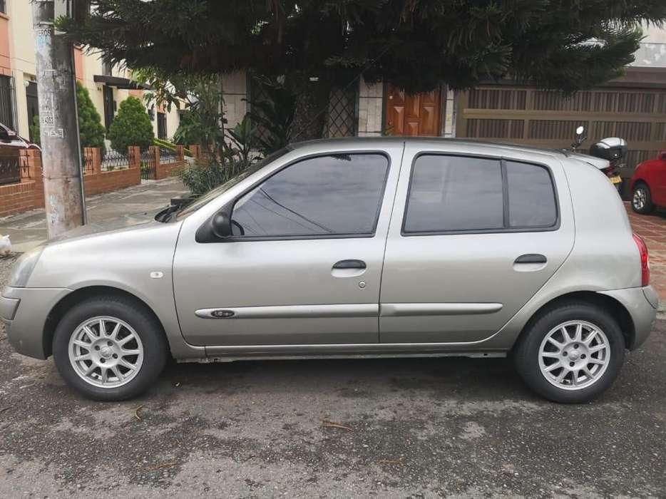 Renault Clio  2012 - 50000 km