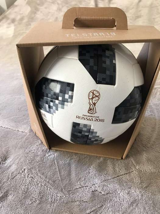 Pelota de Futbol FIFA Teslstar 18