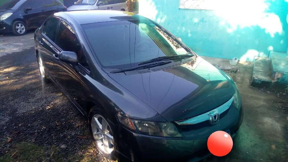 Honda Civic 2009 - 1 km