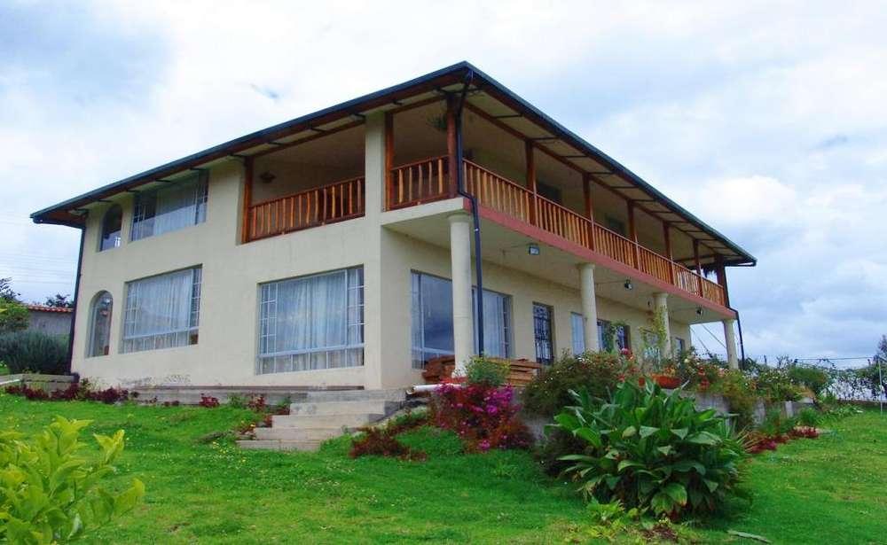 YARUQUÍ casa independiente en venta con terreno 5 habitaciones 300 m2
