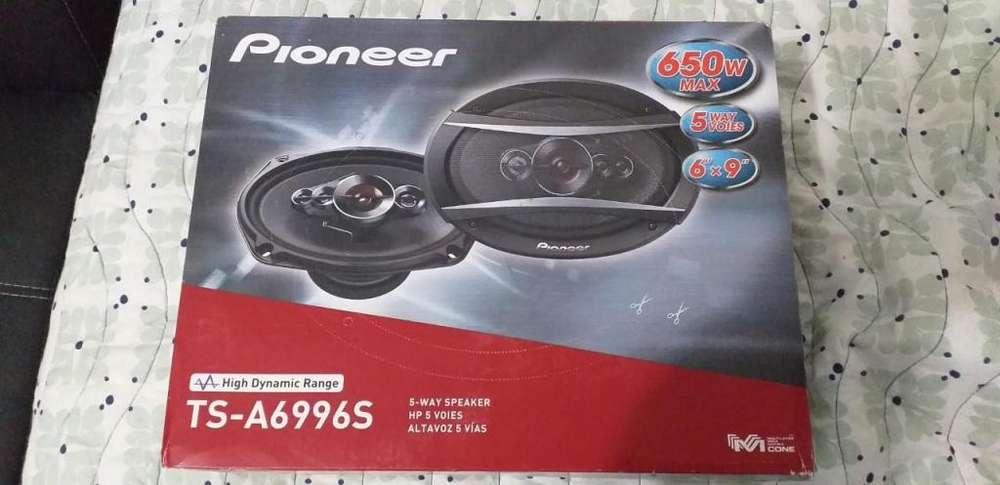 Vendo <strong>parlantes</strong> Pentaxiales nuevos en caja Pioneer