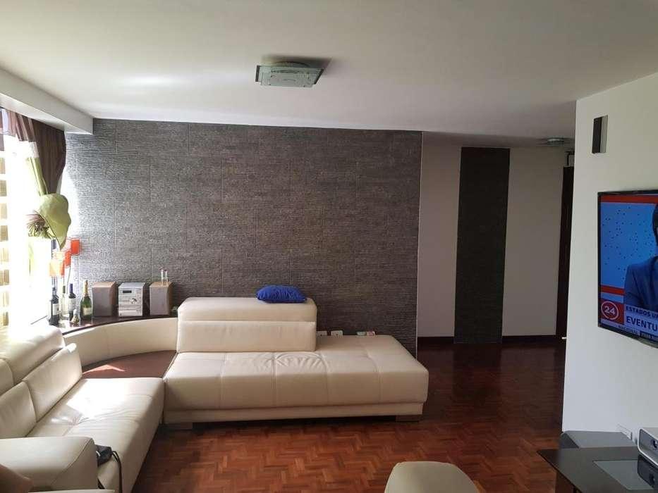 Vendo apartamento 106 m2, Edif. Metrópolis, tres dormitorios, garage.