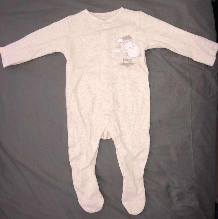 Vendo Hermosa Pijama Bebe Oveja Mitones