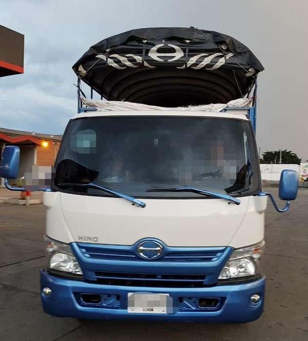 camión hino dutro city 715 modelo 2015