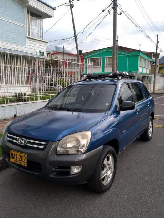 Kia New Sportage 2008 - 100000 km
