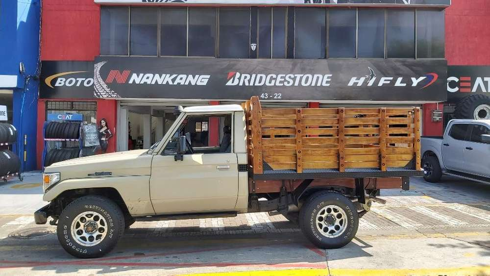 Toyota Hilux 1985 - 190000 km