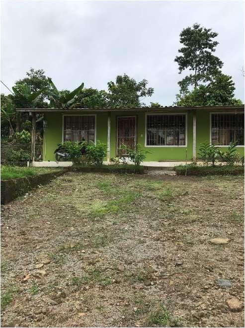 Vendo Finca Quinta 2.000 m² con Casa en Puerto Quito, Quito, Pichincha