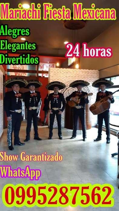 Serenata con Mariachis en La Ecuatoriana