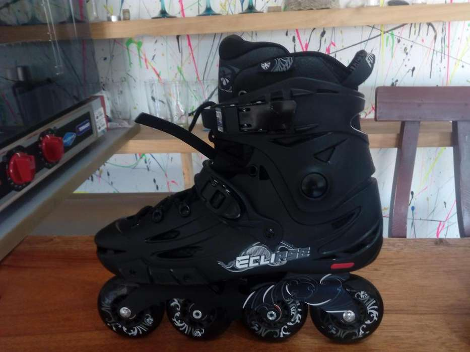SE VENDEN PATINES COMO NUEVOS TALLA 43 11 Flying Eagle F5S Eclipse