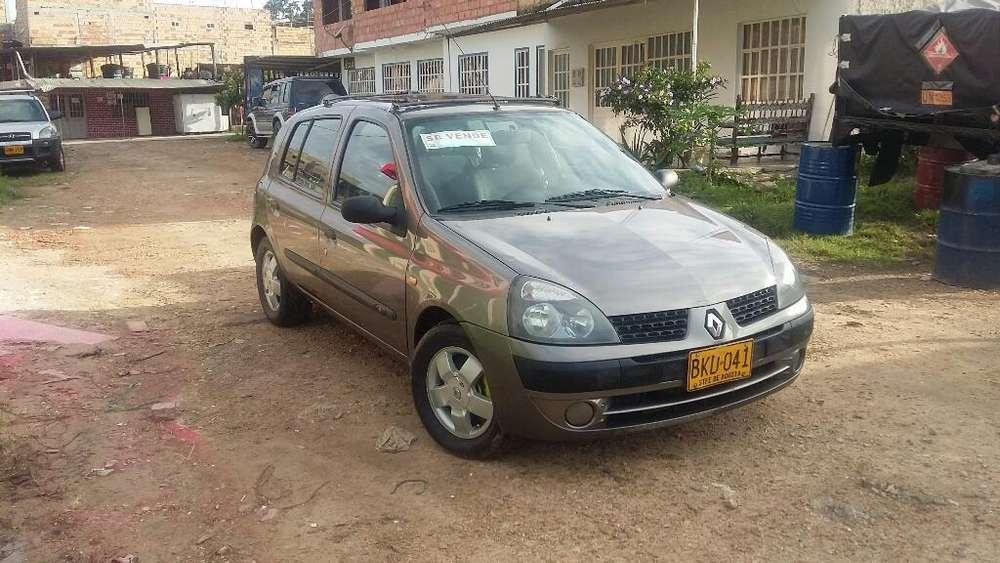 Renault Clio  2005 - 110000 km