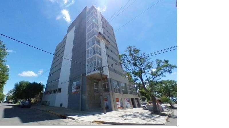 venta departamento 1 dormitorio con vista franca al río Piscina solarium Hidromasaje Financiación en Pesos