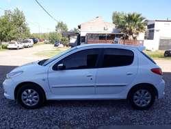 Peugeot 207 Compact XS 1.4 GNC Año 2012