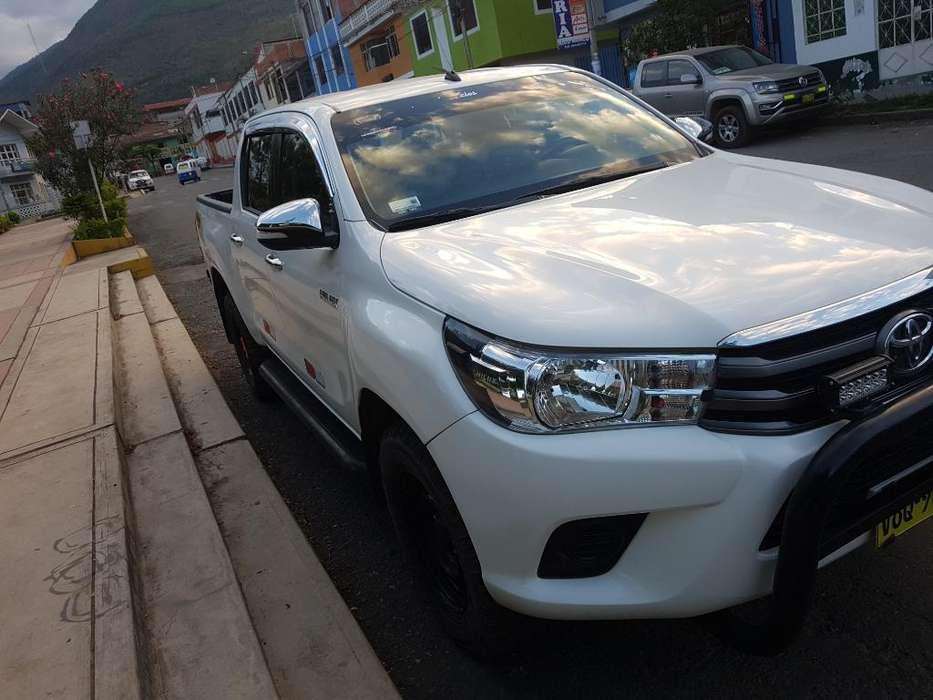Toyota Hilux 2016 - 62 km