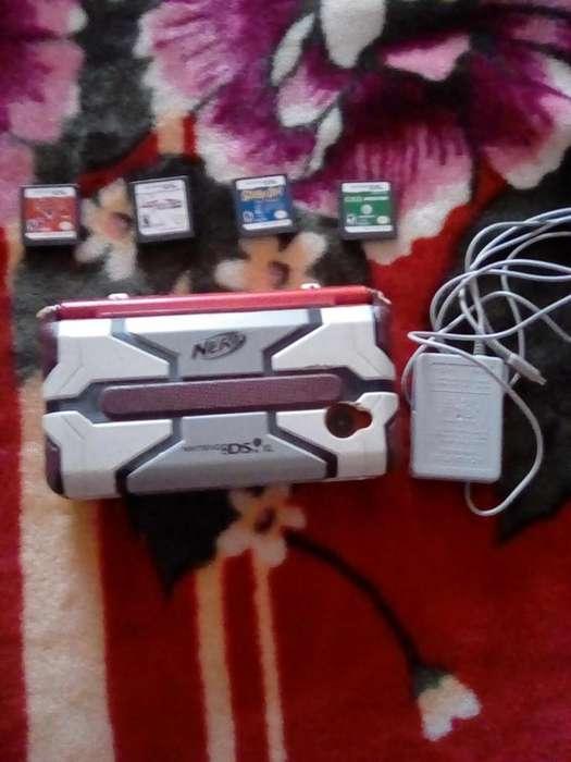 Vendo Nintendo DS con cámara. Incluye juegos.