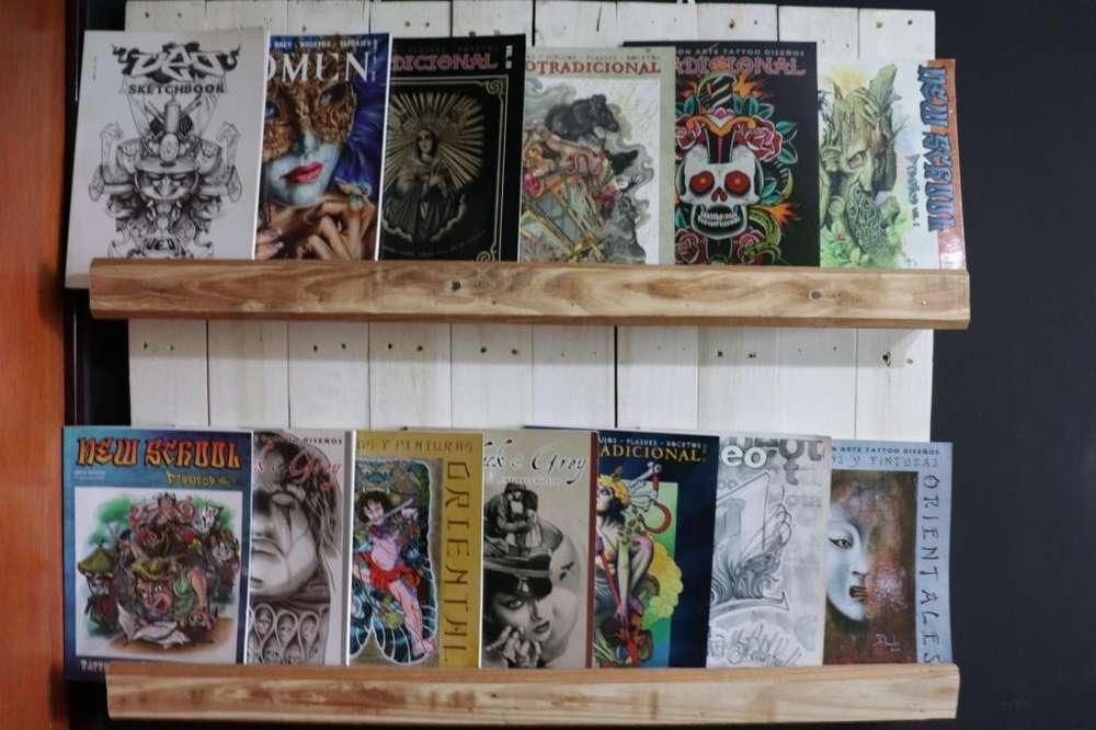 Repisa Portalibros rustico y 14 libros tattoo