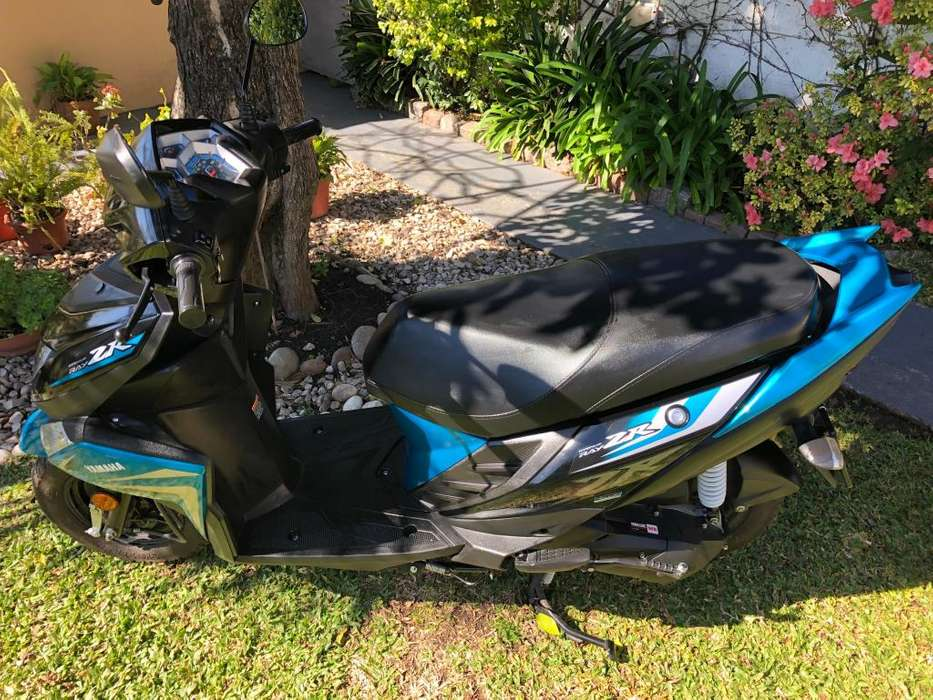 Scooter <strong>yamaha</strong> Ray ZR