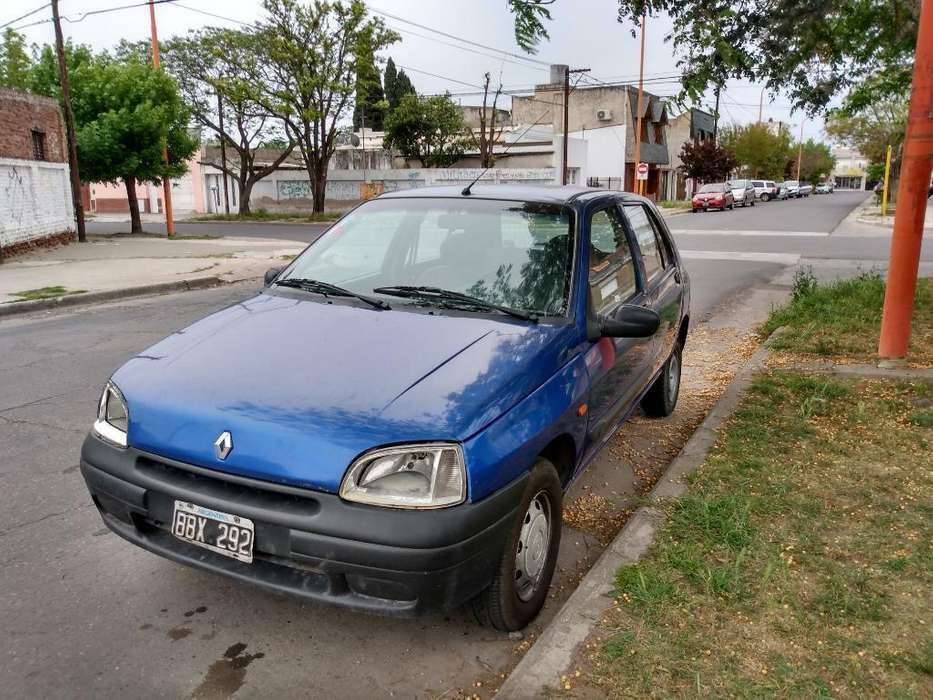 <strong>renault</strong> Clio  1996 - 111111111 km