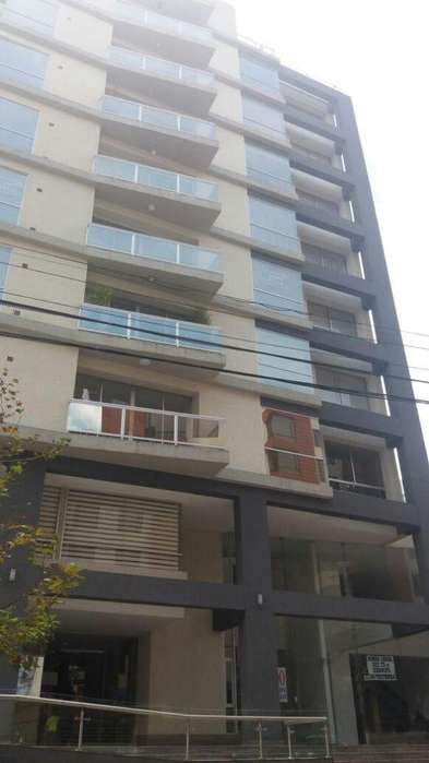 Local comercial u oficina de venta, Edificio Yacanto, Calle Geronimo Carrion, Sector Plaza Fosh