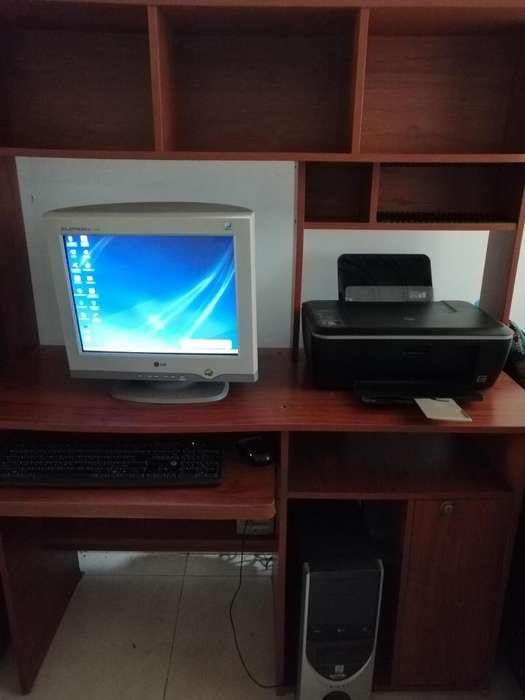 Mueble computador e impresora