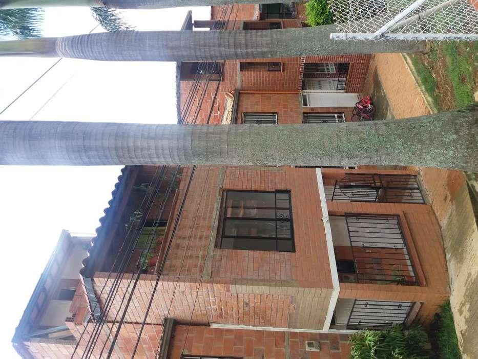 Casa en 2 apartamentos alquilables