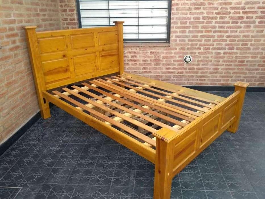 Vendo cama de 2 plazas de pino laxeado reforzado
