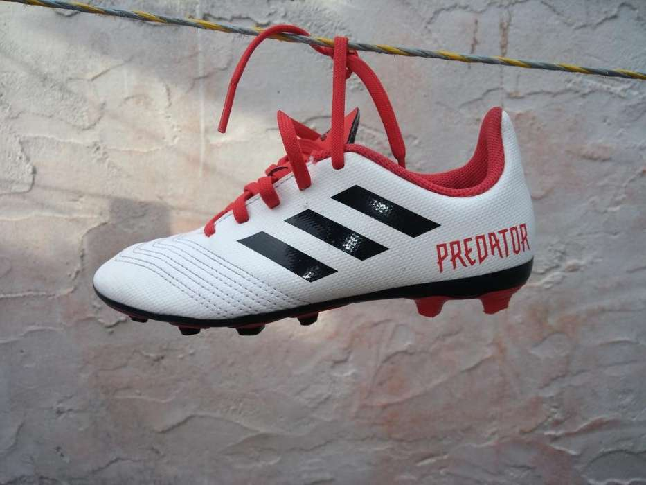 Guayos Adidas Predator Talla 32