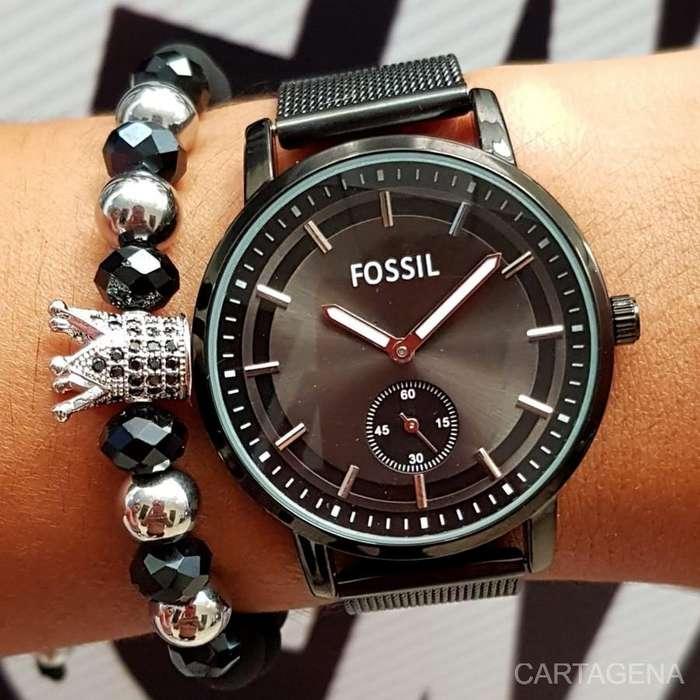Reloj Fossil negro a la venta para dama