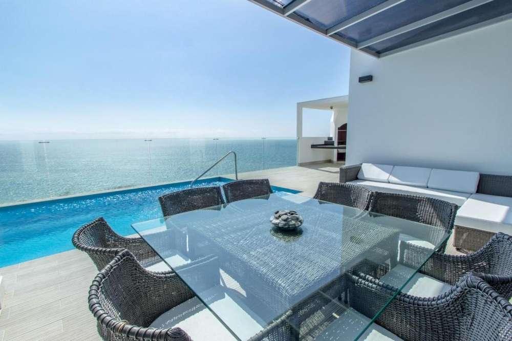 Hermosa casa de playa con impresionantes vistas al mar en Manta, Santa Marianita.