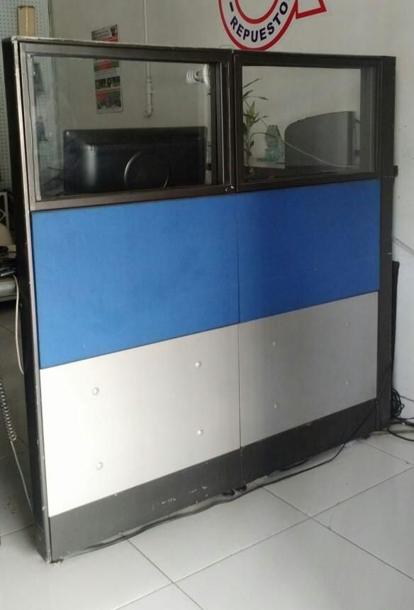 se vende mueble centro de computo