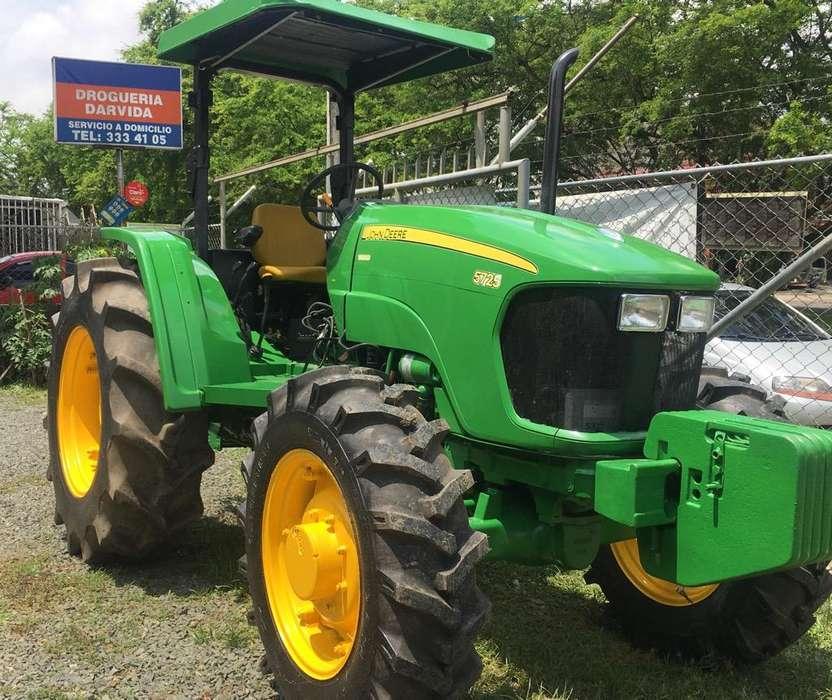 Se Vende John Deere 5725 Modelo 2012