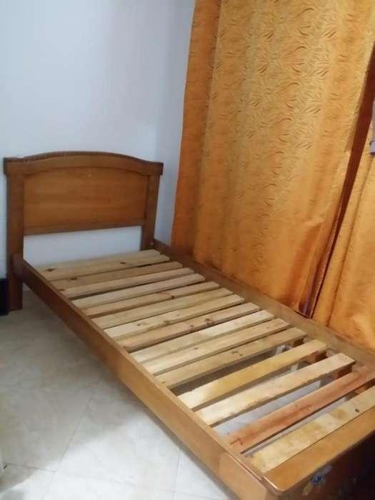 Vendo cama sencilla en madera de puro roble