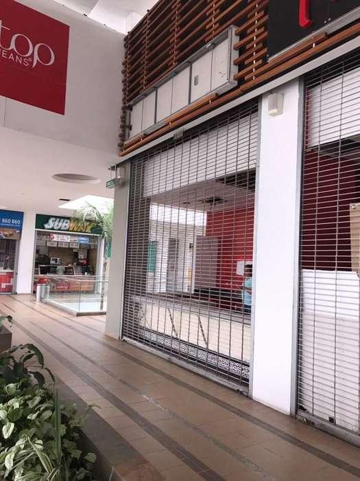 Local con excelente ubicación en el Centro Comercial Unicentro Palmira, queda en la plazoleta de com 52738