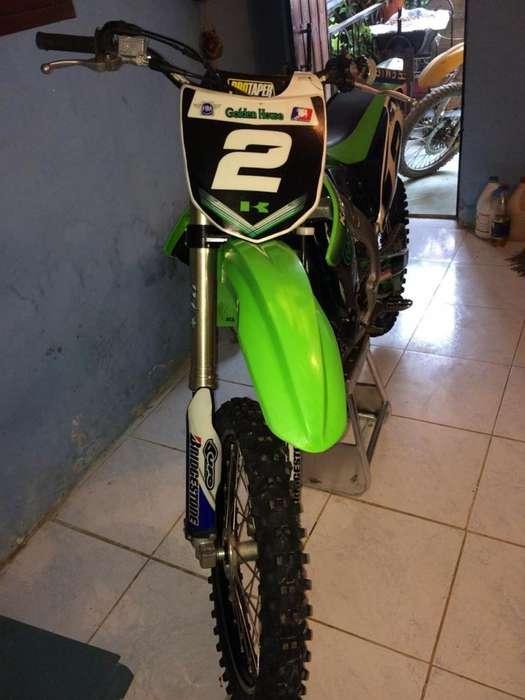 Moto <strong>kawasaki</strong> 2012 Motor 450