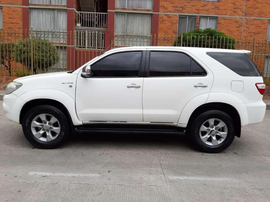 Toyota Fortuner 2011 - 88000 km