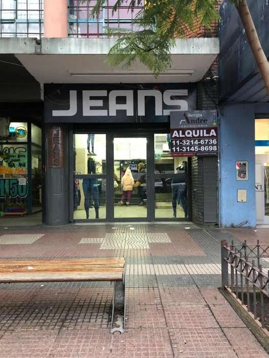 Amplio local en el centro de San Miguel sobre Av. Pte. Perón