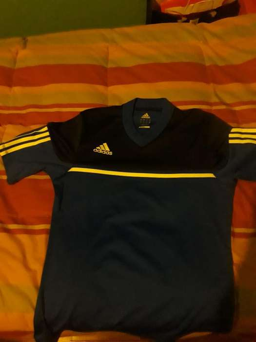 Camiseta Adidas Original.