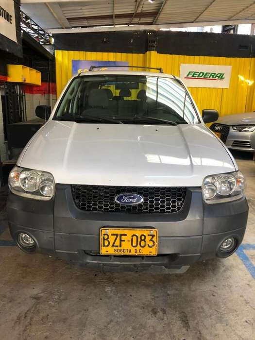 <strong>ford</strong> Escape 2007 - 157000 km