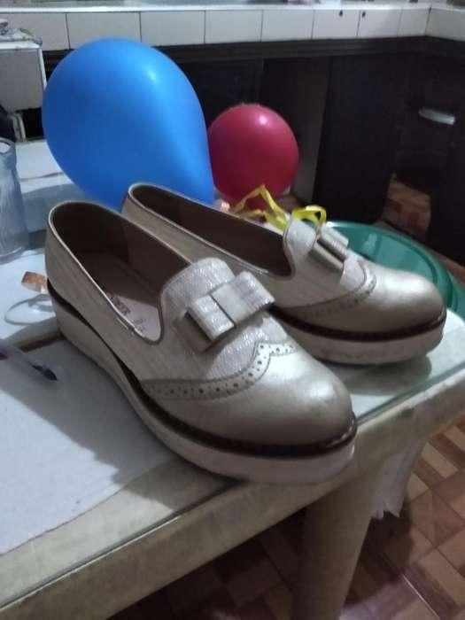 Vendo Zapatos Reinder con Una Sola Puest