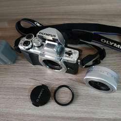 Camara Olympus Em10 Mark Ii Cámara Digital 64Gb SD / Con Lentes intercambiables