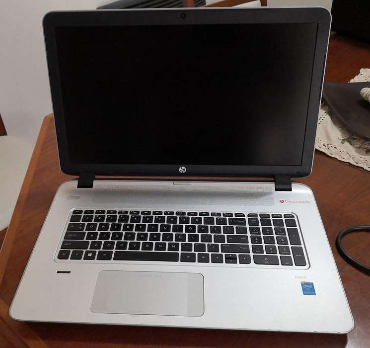VENDO URGENTE HP ENVY 17,3 DISCO SOLIDO 500GB. MEMORIA 16 GB EXCELENTE ESTADO